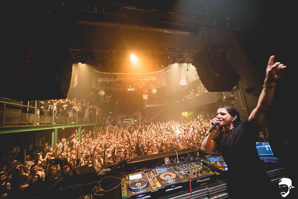 Skrillex à la Machine du Moulin Rouge (27/01/2016) - Une foule particulièrement dense pour accueillir le célèbre DJ